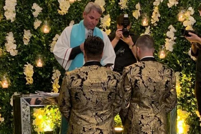 Família Poncio: Após celebrar casamento homoafetivo, patriarca da família Pôncio e sua mulher Simone sofrem ataques dentro da própria igreja