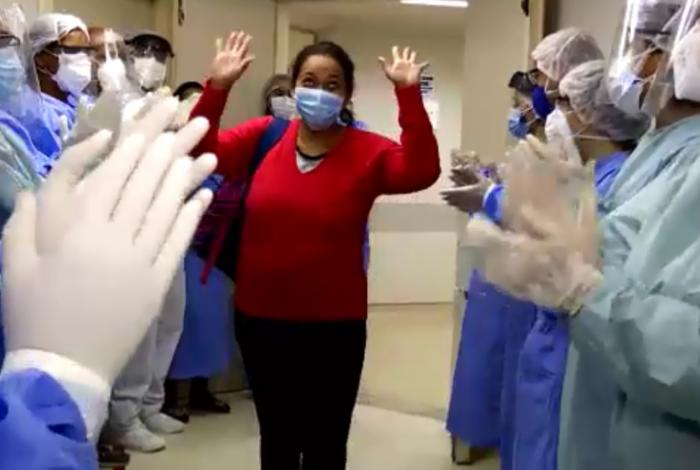 Pacientes têm alta de hospital em Duque de Caxias