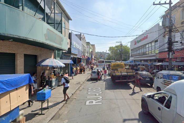 Rua Sargento Fernandes Fontes, na Pavuna, Zona Norte
