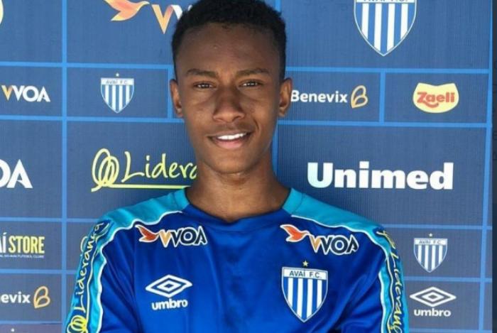 Flamengo recebe oferta do Avaí por atacante Felipinho