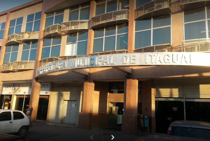 Fachada da Secretaria Municipal de Educação e Cultura: plataforma desagrada, mas prefeitura mantém o esquema de impressões e conteúdos