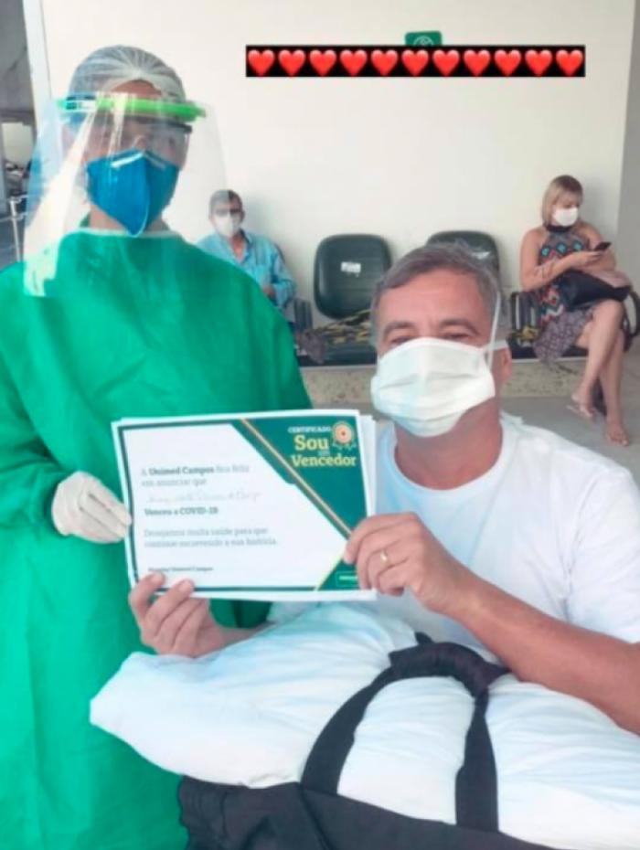O vereador de Campos Luiz Alberto Neném recebeu alta depois de seis dias internado para tratamento da covid-19