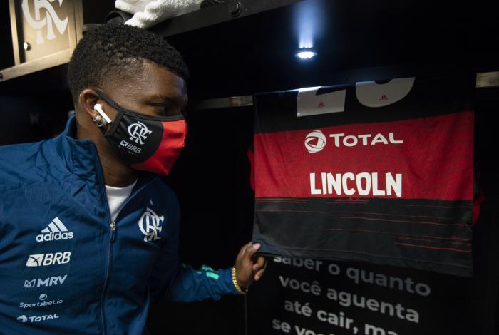 Lincoln ganha confiança de Dome e volta a ter oportunidades no Flamengo