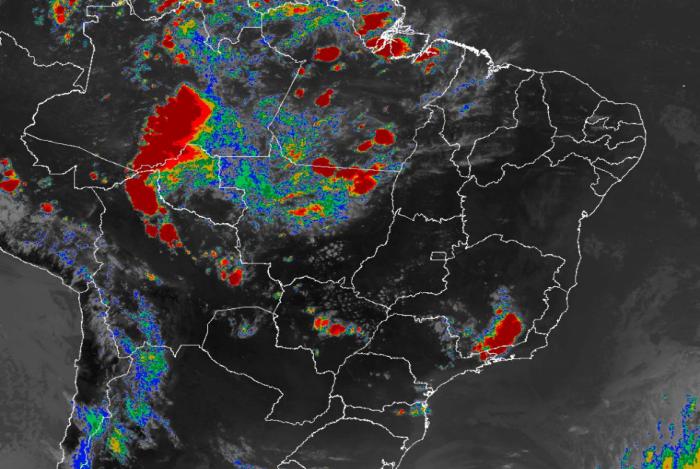 Apesar do calor histórico, pancadas de chuva podem ocorrer em estados do Sul, Sudeste e parte do Centro-Oeste